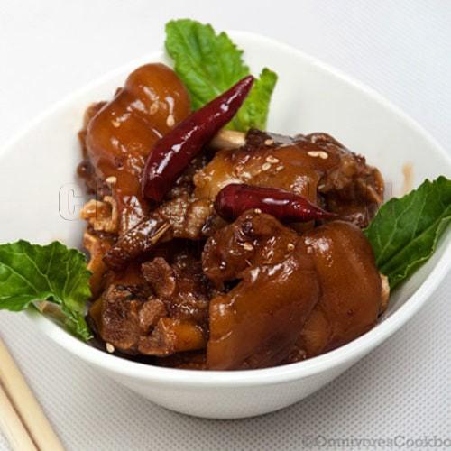 Pork Fore Leg 猪前腿  FROM 2 kg/Each